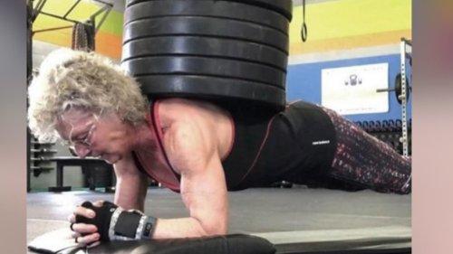 Diese Seniorin pumpt dich unter den Tisch 💪