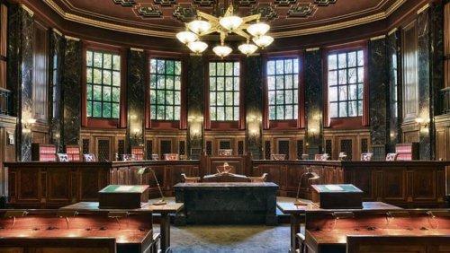 Neue Studie zeigt: Wie Richterinnen und Richter durch die Politik beeinflusst werden