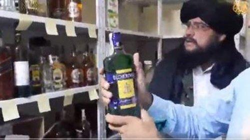 Taliban finden Alkohol – und reagieren durchaus merkwürdig