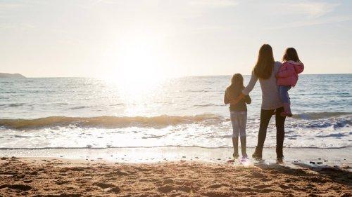 "Corona-News: ""Corona-Auszeit für Familien"" gestartet ++ Lehrerverband: Corona-Maßnahmen an Schulen noch über Monate"