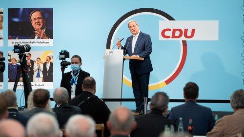 """Bundestagswahl im News-Ticker – Laschet rechnet mit """"knapper Wahl"""""""