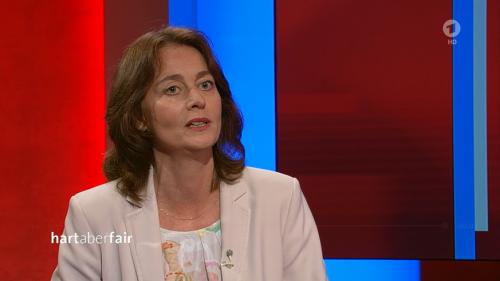 """""""Hart aber fair"""": Katarina Barley verärgert Zuschauer mit Benzinpreis und einem Vorschlag"""