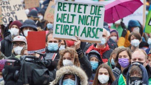 Klimasteik Berlin: Luisa Neubauer mit klarer Forderung vor SPD-Zentrale