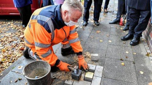 """""""Stolperstein"""" erinnert in an Nazi-Opfer Heinrich Hirtsiefer"""