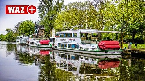 Die Weiße Flotte Mülheim schwimmt startklar am Wasserbahnhof