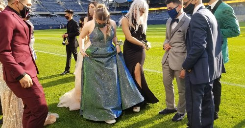 No Dinner Or Dancing, But Seniors Get A Prom To Remember At Soldier Field