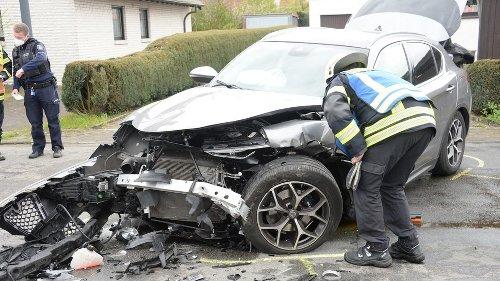Gütersloh: Schwerer Verkehrsunfall beim Überholen