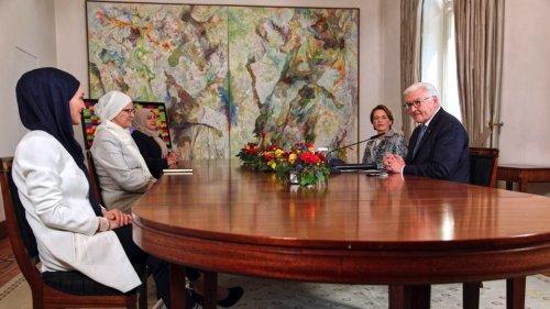 Bundespräsident Steinmeier trifft in Bonn muslimische Frauen