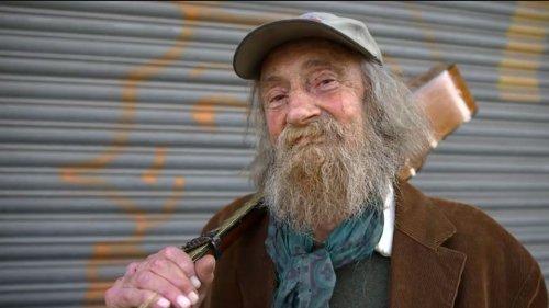 Bekannter Straßenmusiker tot: Onkel Willi aus Münster gestorben