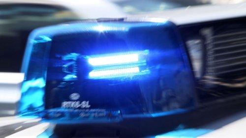 Streifenwagen erfasst Fußgänger auf A46 tödlich