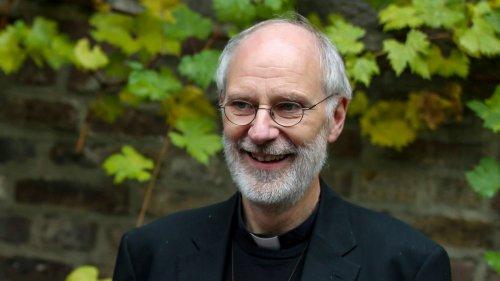 Freigestellter Kölner Weihbischof hält Kleinkinder-Gottesdienst