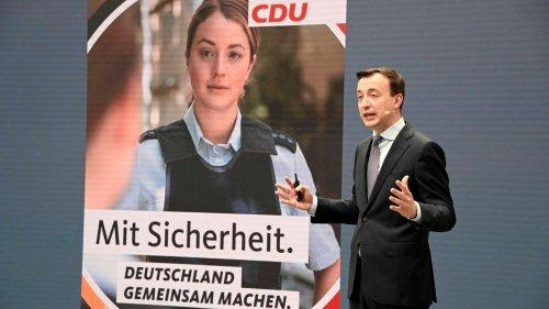 Fehlende Diversität: Das Netz diskutiert die Bundestagswahl-Plakate der CDU