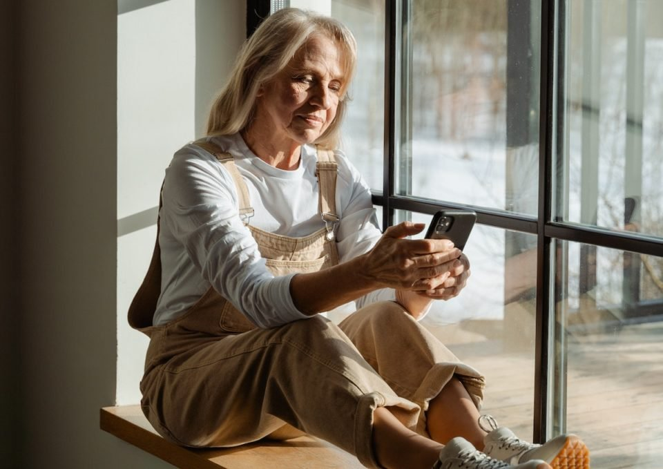 Here's The Average Age Americans Start To Worry About Retirement – How Do You Compare?