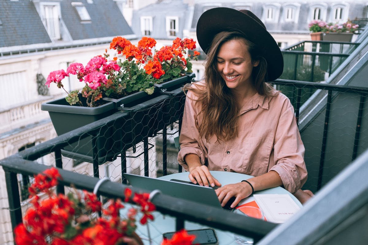 Freelancer Breaks Down How She Makes $8K Working Only 60 Hours A Month
