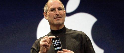 Il mondo ricorda il genio di Steve Jobs a dieci anni dalla morte - Webnews