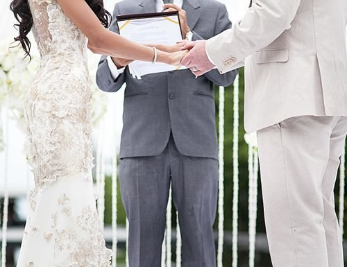 How to Write Wedding Vows (Examples And Template)
