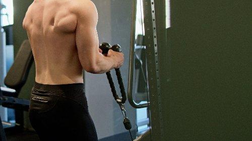 5 Gym Machines For Bigger Biceps