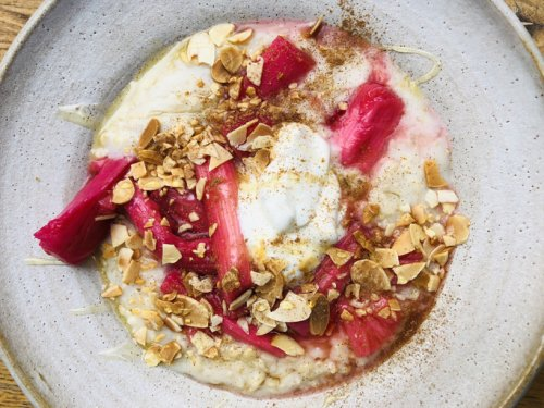 10 Recipes Using Rhubarb, the Digestion-Supporting Veggie With More Antioxidants Than Kale