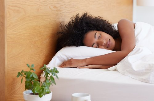 This Is *Exactly* How Long You You Can Sleep In Without Confusing Your Body