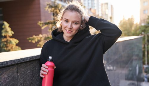 7 of the Best Electrolyte Drinks To Sip Before *and* After a Workout for Maximum Hydration