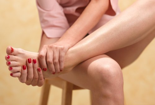 A Podiatrist Is Begging You To Stretch This Unexpected Body Part To Relieve Foot Pain