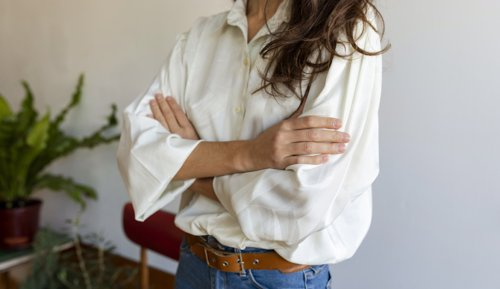 The TV Show Secret That Will Save Your Clothes From Sweat Stains