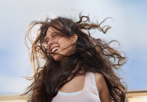 My Hair Is Naturally Wavy and Frizzy—This Oil Is My Secret to a Perfect Air Dry