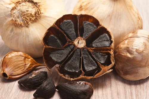 6 Black Garlic Benefits for Your Health That'll Make You Want To Eat It by the Clove