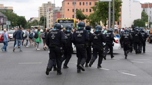 """49-Jähriger kollabiert bei """"Querdenker""""-Protesten und stirbt"""