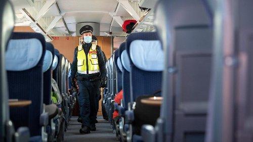 """Bahn verhängt erste Zugverbote für Corona-""""Querdenker"""""""