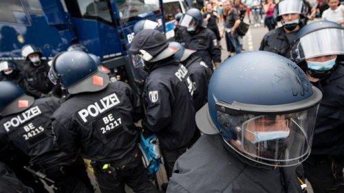 """Anzeigenwelle gegen Beamte wegen angeblicher """"Polizeigewalt"""""""