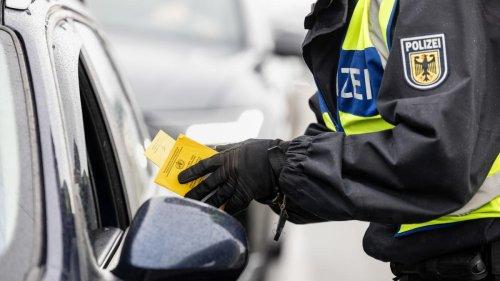 """Angehender Bundespolizist bringt sich mit """"Like"""" eines homophoben Eintrags um den Job"""