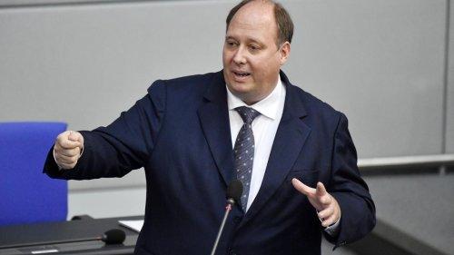 Braun kündigt Einschränkungen für Nicht-Geimpfte an