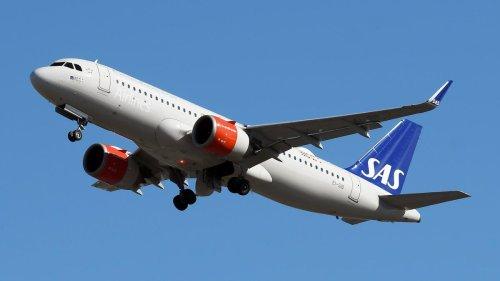 Skandinavische Fluggesellschaften schaffen regional Mundschutz ab