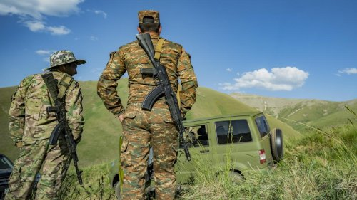 Armenien fordert russische Truppen an Grenze zu Aserbaidschan