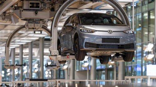 Jetzt aktualisiert auch VW Elektroautos per Funk