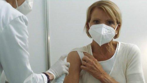 """""""Abartiger Hass"""" - Uschi Glas wird nach Impfkampagne angefeindet"""