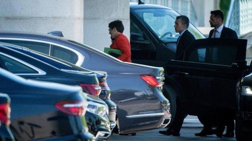 Nur ein Mitglied der Bundesregierung hat einen Dienstwagen mit E-Antrieb