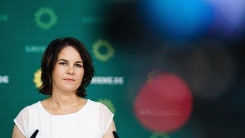 """Grünen-Chefin Baerbock kündigt """"größtes Klimapaket"""" an, das """"dieses Land je gesehen hat"""""""