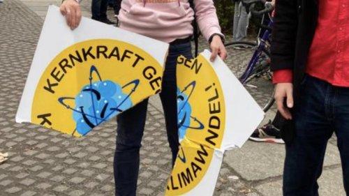 Tätlicher Angriff auf Kernkraft-Aktivistin bei Klimademo