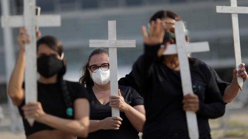 Wegen Hunderttausenden Toten droht Bolsonaro nun eine Anklage