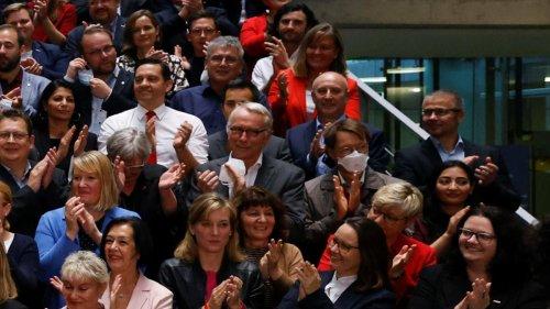 Als Maischberger nach dem SPD-Foto ohne Masken fragt, gerät Lauterbach ins Schwimmen