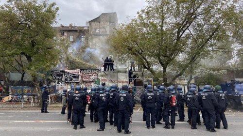 """Linksextreme verletzten 46 Polizisten – Innensenator verurteilt """"blinde Zerstörungswut"""""""