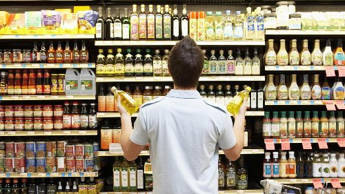 """Supermärkte vs. Hersteller – """"Bezahlen wird das am Ende der Verbraucher"""""""