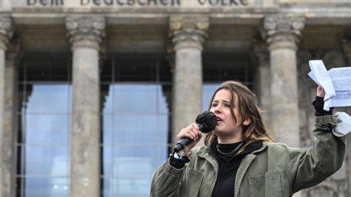 """""""Kein Wunder, dass Sie lügen müssen, Herr Laschet"""" – Luisa Neubauer kritisiert Klimapolitik"""