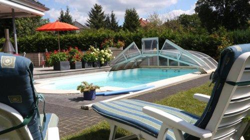 Swimmingpool im Garten – darauf müssen Eigentümer beim Bau achten