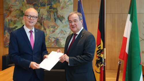 Laschet legt Amt als Ministerpräsident in Nordrhein-Westfalen nieder