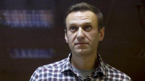 Warnung vor Herzstillstand – Nawalny auf Krankenstation verlegt