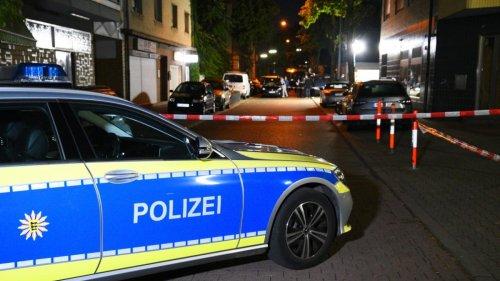 Sechs Menschen nach Schüssen vor Mannheimer Gaststätte verletzt