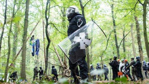 """Polizei kritisiert Laschet-Regierung – """"Wir sind verheizt worden"""""""